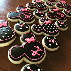 Www.facebook.com/cocossugarshack decorated cookies Minnie Mouse cookie set