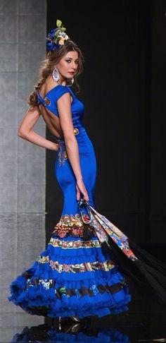 ~*020*~ Flamenca Flamenco Costume, Flamenco Dancers, Flamenco Dresses, Couture Fashion, Fashion Show, Spanish Woman, Spanish Dancer, Spanish Fashion, Special Dresses