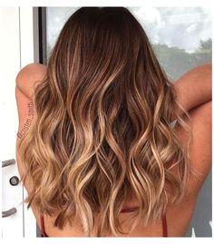 Subtle Balayage Brunette, Balayage Hair Blonde, Brown Blonde Hair, Light Brown Hair, Blonde Ombre, Blonde Honey, Subtle Balyage, Balayage Hair Honey, Natural Balyage