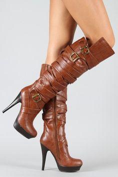 Bruine cognac hoge laarzen met hoge hak. Zoiets als op de