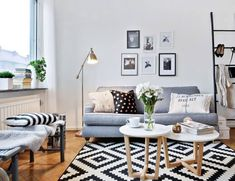 Beautiful Small Living Room Ideas to Make the… Home Living Room, Apartment Living, Living Room Decor, Living Spaces, Studio Apartment, Deco Studio, Sala Grande, Home And Deco, Living Room Inspiration