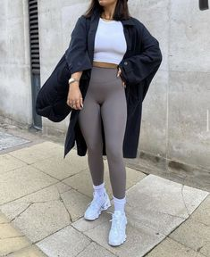 Sporty Outfits, Cute Casual Outfits, Pretty Outfits, Fashion Outfits, Athleisure Fashion, Streetwear Fashion, Trendy Suits, Workout Attire, Minimal Fashion