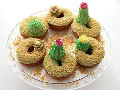 DIY Cactus Donuts >>