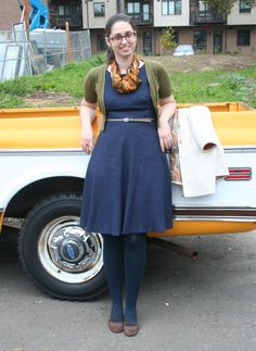 Librarian for Life & Style  |  Navy classic