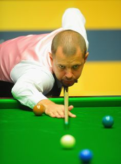 Barry Hawkins (England), very serious man Recreational Sports, Billiards Pool, Bowling, England, Games, Future, Sporty, Stars, Sterne