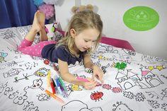 """Masz kreatywne dziecko które uwielbia malować? A może trudno go zagonić do łóżka? Pościel """" KOLOROWANKA"""" sprawi maluchowi wiele radości z chodzenia spać i stanie się jego ulubioną. Lilifranko Beach Mat, Outdoor Blanket, Etsy, Hani, Home Decor, Kids Rooms, Kids, Decoration Home, Room Decor"""