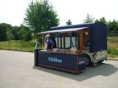 interesting thought.serving from the outside, therefore the inside height requirement (thanks CA!) is not an issue Coffee Van, Coffee Shop, Mini Camper, Mobile Cafe, Mobile Kiosk, Foodtrucks Ideas, Coffee Food Truck, Citroen H Van, Cafe Display