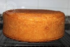 Basic cake to Cakes My Recipes, Sweet Recipes, Cake Recipes, Dessert Recipes, Cooking Recipes, Sweet Desserts, Delicious Desserts, Yummy Food, Food Cakes