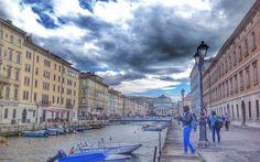 Visitare Trieste è come vedere tante città insieme, un po' ti ricorda Lisbona, un po' Torino e un po'Berlino, ma la sua essenza non si cattura in pochi giorni