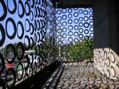 Decogomme screen from recycled tyres // Den Haag //// ♥!   .com.au