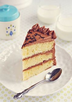 Sweetapolita — Vanilla Buttermilk Cake with Instant Fudge Frosting- hands down this is the moistest vanilla cake you will find..don't believe me? Try it!