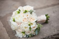 Elope with Style with a beautiful bouquet by Cody Floral Photos by Melissa Musgrove Photography