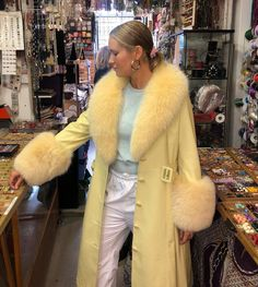 Image about fur in Fashionable by Ellinor on We Heart It High Fashion, Winter Fashion, Womens Fashion, Looks Style, Style Me, Quoi Porter, Vogue, Mellow Yellow, Yellow Coat