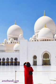 The most stunning building I have ever seen. More of the Grand Mosque, Sheikh Zayeed Mosque in Abu Dhabi, Emirates.