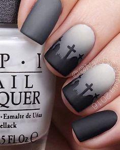 Un nail art représentant un cimetière #nailart #halloween #beauté #monvanityideal