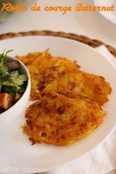 Fêtons l'arrivée de l'automne avec une belle recette végétale à base de courge Butternut en préparant des röstis. Une recette vegan facile et délicieuse qui plaira à tous!
