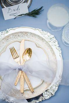 Ideas Wedding Colors Gold Blue Table Settings For 2019 Gold Wedding Colors, Wedding Themes, Wedding Ideas, Wedding Blue, Bling Wedding, Trendy Wedding, Fall Wedding, Wedding Stuff, Wedding Flowers