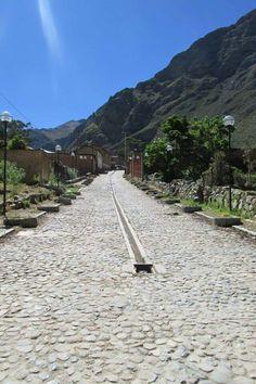 "Huancaya, camino a la Reserva Paisajistica ""Nor Yauyos Cochas"""