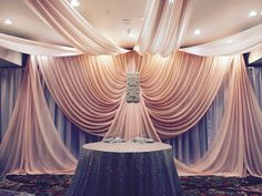 Wedding should be decorated like so elegant! Fabric Backdrop, Backdrop Design, Fabric Decor, Wedding Stage Decorations, Backdrop Decorations, Decoration Table, Rideaux Design, Wedding Draping, Traditional Wedding Decor