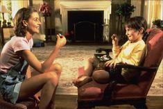 matilda&miss honey :) I just LOVE this movie Danny Devito, Roald Dahl, Mara Wilson, Ms Honey Matilda, 90s Movies, Movie Tv, 1990s Films, Matilda Film, Clueless