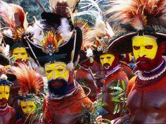 Egele membres de tribu en robe traditionnelle à Enga Cultural Show, Wabag, Enga, Papouasie-Nouvelle-Guinée