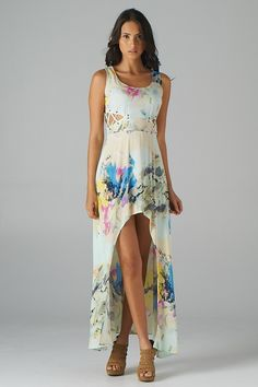 this dress makes me want to go on vacation