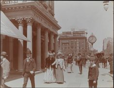 American Gilded Age street scene with pedestrians, walking in front of the Fifth Avenue Hotel. Located at Broadway & 23rd Street, NYC c.1898.  ~ {cwlyons} ~ (Image/collection: The Museum of the City of New York)