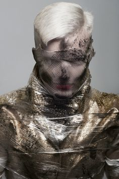 Photographer: David Arnal Stylist: Visori Fashionart Hair: GS Peluqueros