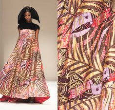 FLOWINESS IN A DRESS Flowing and stlill look amazing, Jazz up the look with the perfect accessoires and have confidence. Fabric by Vlisco