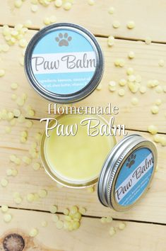 DIY Homemade Paw Balm for Dogs - Hey dog moms! Are you looking for a homemade paw balm recipe that you can easily whip up for your d - Dog Care Tips, Pet Care, Puppy Care, Pet Tips, Homemade Dog Food, Diy Stuffed Animals, Dog Paws, Dog Grooming, Goldendoodle