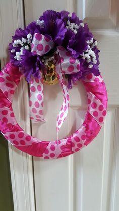 Small door wreath.