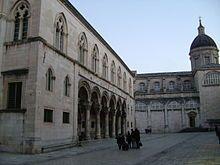 Dubrovnik – palaçio dos reitores e catedral