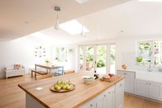 Want to create the perfect family kitchen? Kitchen island in family open plan kitchen Kitchen Paint, New Kitchen, Kitchen Decor, Kitchen Island, Kitchen Worktop, Kitchen Cupboard, Kitchen White, Kitchen Cabinets, Kitchen Dining Living