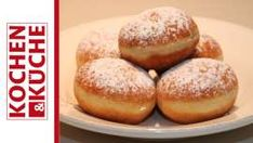Donuts out of the oven Oven Cooking, Cooking Recipes, Oven Recipes, Donuts, Austrian Recipes, Austrian Food, Hamburger, Muffin, Bread