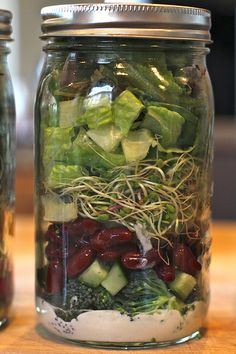 more mason jar make ahead salads - great for the week or to take on a day trip