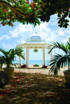 Beach wedding gazebo in Barbados