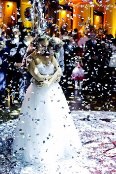 ♥ Caroline Guaragni | Tulle - Acessórios para noivas e festa. Arranjos, Casquetes, Tiara