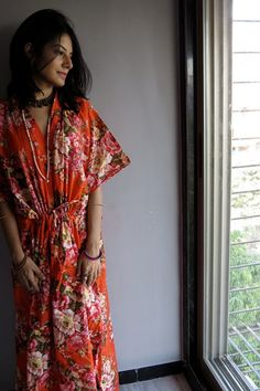 """How I Learned To Love The """"Slumpy, Sloppy, I-Give-Up"""" Caftan Dress  #refinery29  http://www.refinery29.com/how-to-wear-caftans#slide5"""
