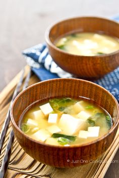 Miso Soup   Japanese Recipe   Just One Cookbook..... 3 cups homemade dashi stock or see Quick Dashi Stock below 2 1/2 - 3 Tbsp. miso (I use awase/mixed miso) 6 ounces firm silken tofu or soft tofu (optional) 2 tsp. dried wakame (seaweed) (optional) 1 green onion (optional)