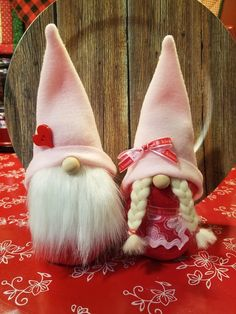 10 Gorgeous Valentines Day Decorations - Life Is Fun Silo Valentines Day Decorations, Valentine Day Crafts, Holiday Crafts, Cute Crafts, Diy Crafts, Craft Show Ideas, Christmas Gnome, Craft Night, Do It Yourself Home