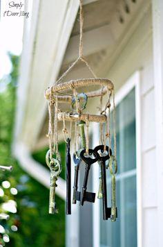Vintage DIY Wind Chime Projects | DIY Skeleton Key Wind Chimes by DIY Ready at http://diyready.com/32-diy-wind-chimes/