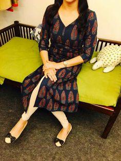 Black printed Kurti Kalamkari Designs, Churidar Designs, Kurta Designs Women, Salwar Pattern, Kurta Patterns, Indian Attire, Indian Outfits, Indian Wear, Dress Neck Designs