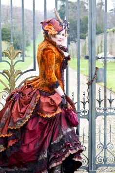 Proof that steampunk can embrace colors besides brown (not hating on brown but...)