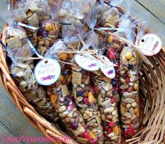 My FAVORITE Autumn Trail Mix. Makes for cute gifts too! gift to make Autumn Trail Mix - Best Trail Mix Ever - Clever Housewife Fall Snacks, Fall Treats, Party Snacks, Holiday Treats, Halloween Treats, Trail Mix Recipes, Fall Recipes, Holiday Recipes, Fall Trail Mix Recipe