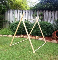 4 Foot A-Frame Tent Frames, Fort, Playhouse, Teepee di SewUs su Etsy https://www.etsy.com/it/listing/199472394/4-foot-a-frame-tent-frames-fort