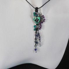 Pendentif glamour romantiqe coeur ange noir bleu et violet chaine longue