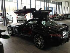 Mercedes-Benz SLS AMG  www.dealerdonts.com