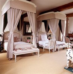 Hubert de Givenchy - A guest bedroom in his Château du Jonchet - Beautiful Bedrooms, Beautiful Interiors, Beautiful Beds, Bedroom Retreat, Bedroom Decor, French Interior, Interior Design, Do It Yourself Design, Sleeping Alone