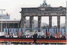 Brandenberg Gate: I so want to see this someday. So much history there...
