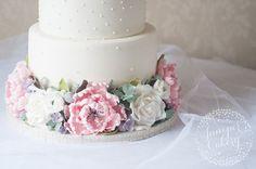 Wedding Cake Trend ~ Floral Filled Cake Separators - Mon Cheri Bridals